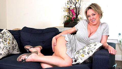 Dee Williams