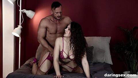Sofia Curly Dorian Del Isla