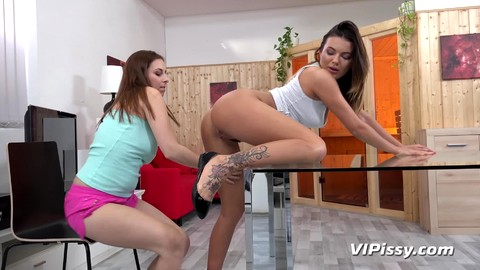 Vanessa Decker Antonia Sainz
