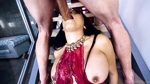 Aaliyah Hadid Mick Blue